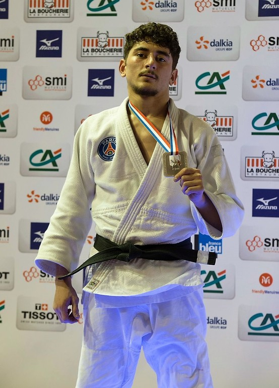 Israil Dakayev vice-champion de France juniors